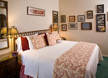 alma mater themed bed and breakfast