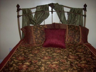 Thomas Sutton Suite bed
