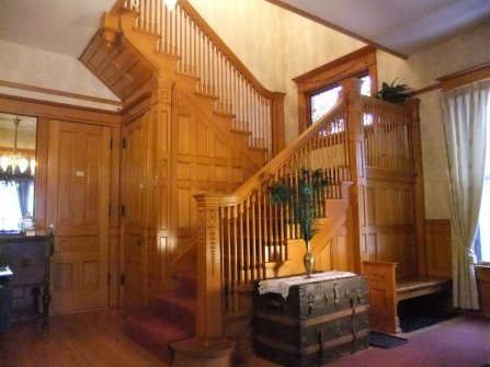 Victorians Dreams B&B Staircase