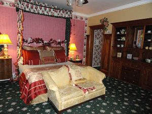 the tea room bed and breakfast suite