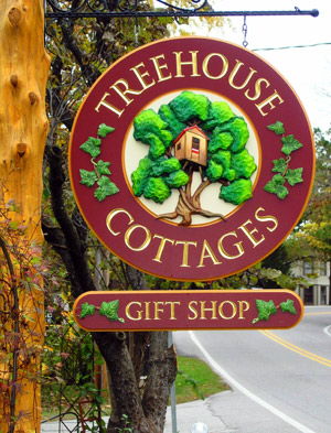 Treehouse Cottages gift shop sign