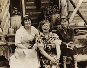 Mabel Dodge Luhan, Frida Lawrence, & Dorothy Brett,