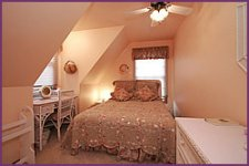 Couer d'Alene suite pink bedroom