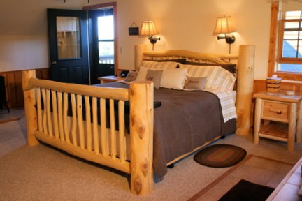 Tauchek's Log Home Bed and Breakfast Moose Room