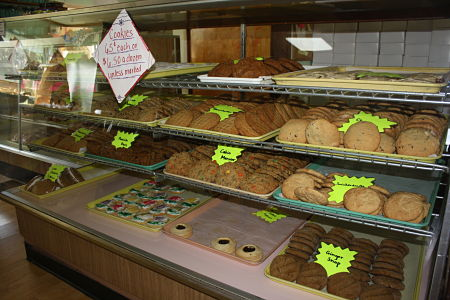 Amish Country Food Bakery baked goods