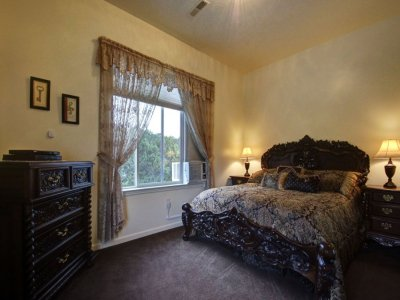 Family Cottage Suite Lions Gate Manor