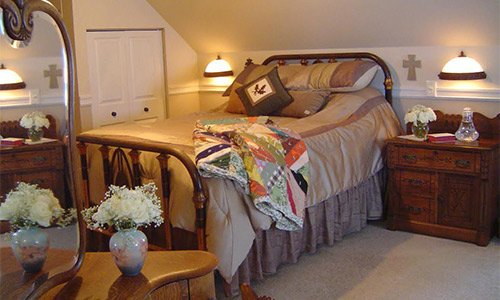 the nest deluxe suite at american country bed and breakfast