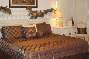 Bianco bedroom