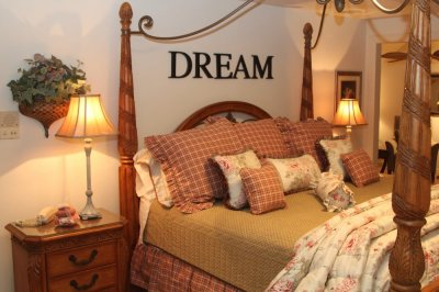 King bed with Dream at Willows Inn