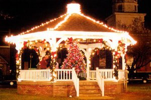 picture of Festivals Fredonia gazeebo decorated with Christmas lights