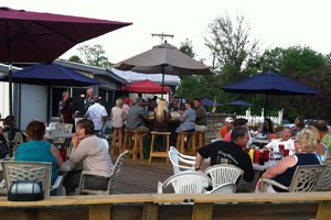 picture of diners at the Hadley House restaurant