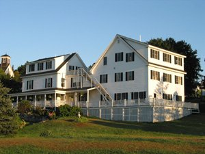 East Wind Inn exterior 