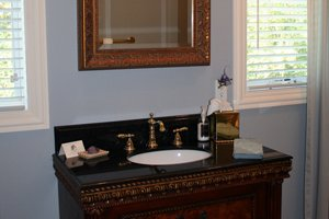 bathroom sink in Bluebird Suite