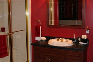 bathroom in the Cardinal Suite