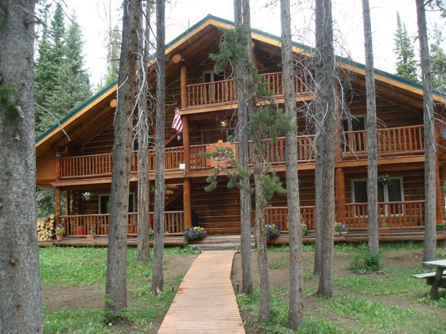 skyline guest ranch exterior view