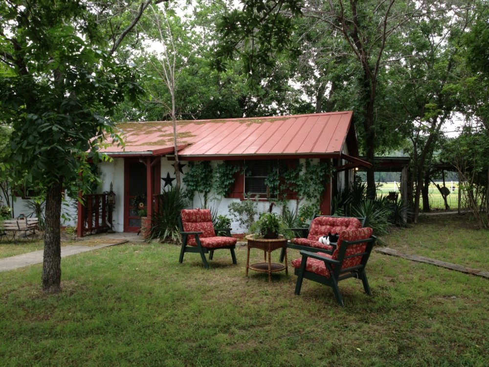 Cabins glen rose texas cabins anderson creek cabins in for Cabins near glen rose tx