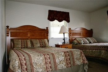 three room suite in Carriage House Motor Inn in Strasburg, Pennsylvania