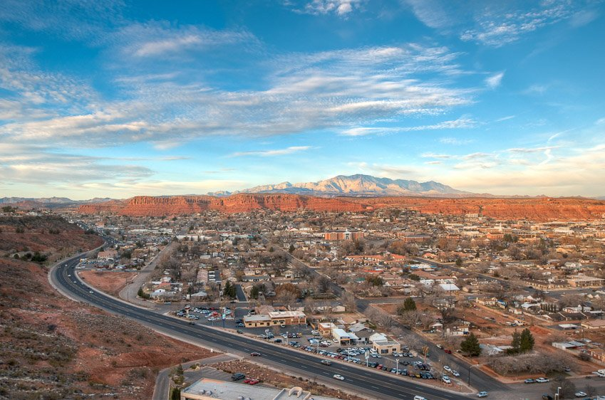 Views Of Scenic Southern Utah From The Inn On The Cliff