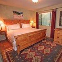 #6 room in Blue Iguana Inn in Ojai, California