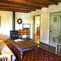 #4 room in Blue Iguana Inn in Ojai, California