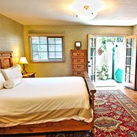 #5 room in Blue Iguana Inn in Ojai, California