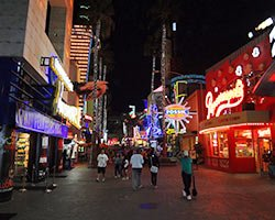 Universal City Walk - Photo by Boris Dzhingarov