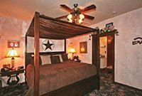 Stardust Cottage Emerald Dreams at Whispering Pines Bed & Breakfast in Norman OK