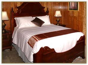 Guest Rooms at Tudor Inn Gatlinburg in Tennessee