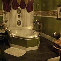 Beloved Room tub at Lockheart Gables in Fort Worth, Texas