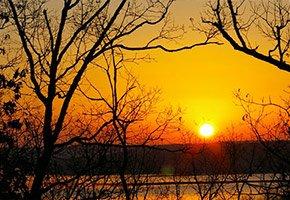 Sunset near Bass and Baskets in Lake Ozark, MO