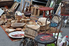 antiquing near Walnut Street Inn in Springfield, Missouri