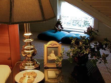 Benton Room in Walnut Street Inn in Springfield, Missouri