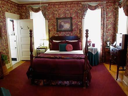 Rosen Room in Walnut Street Inn in Springfield, Missouri