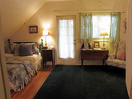 Wilder Room in Walnut Street Inn in Springfield, Missouri