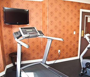 exercise area with treadmill at Victorian Inn in Kanab, UT