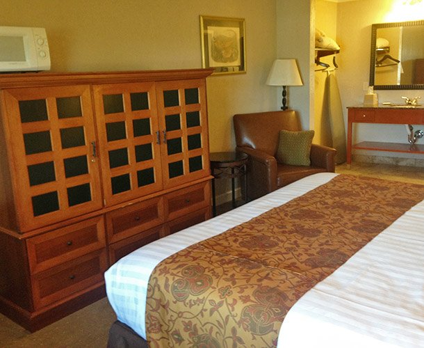 Deluxe King Room at Lodge at Russell Motel