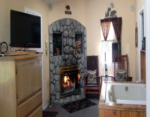 Specials at Pine Knot Guest Ranch in Big Bear Lake, CA