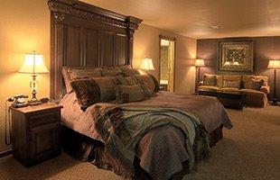 Emerald Suite at KingWood Suites in Fredericksburg, TX