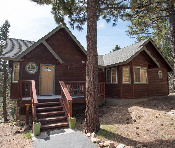 Pacific Crest Spa Cabin at Gold Mountain Manor
