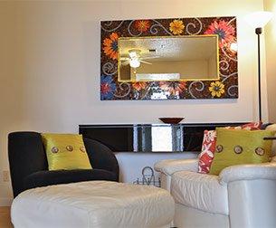 retro living room at the carlton club inn hotel