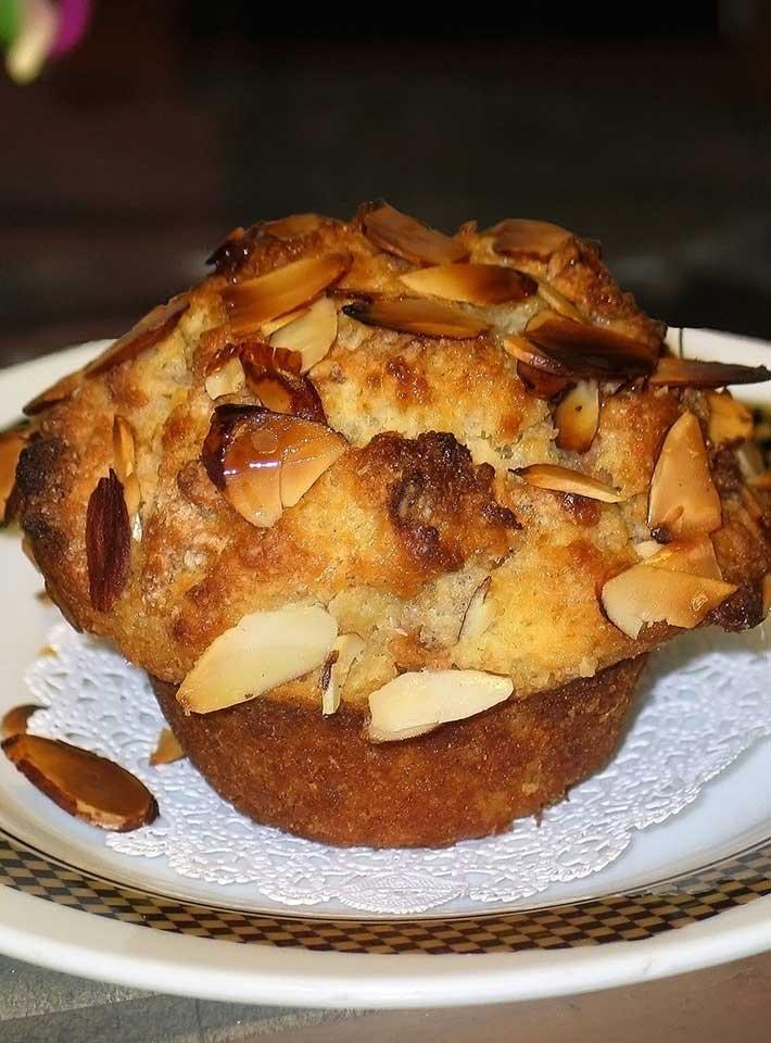 Scandinavian Apple Muffin recipe from Voss Inn
