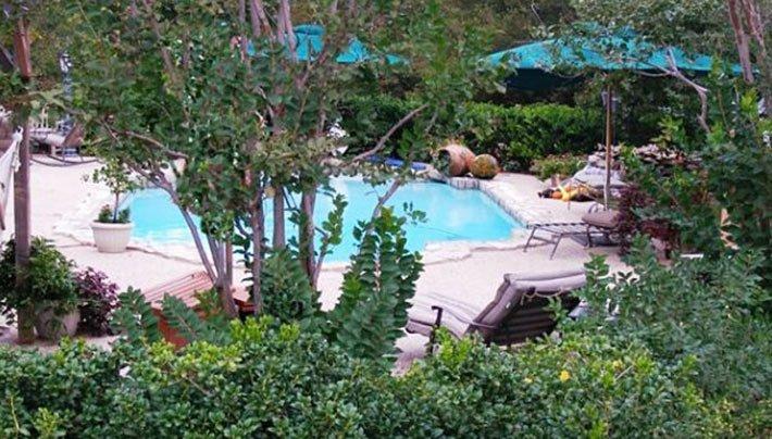 pool at Elm Creek Manor in Muenster, TX