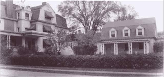 About Christmas House Racine