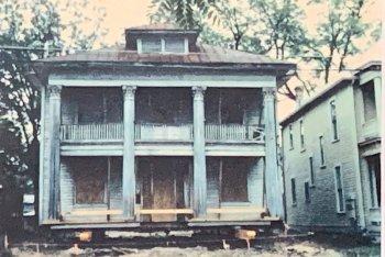 Historical Brackenridge House
