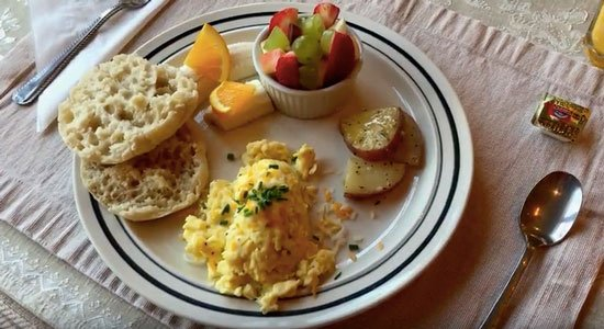 Breakfast at Canyons Bed and Breakfast