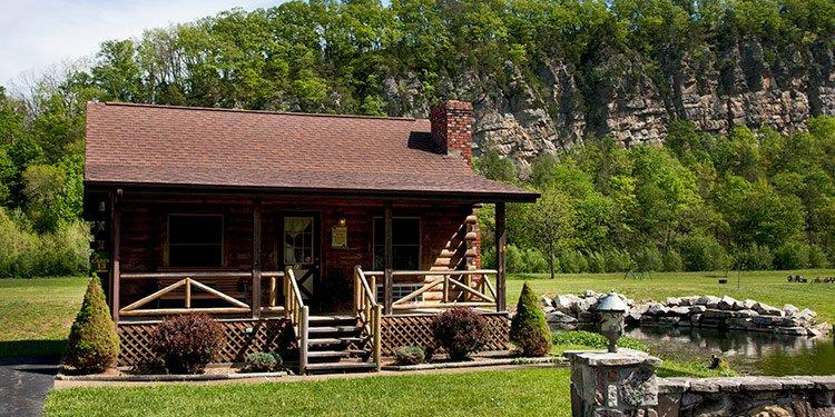 Family Log Cabins Smoke Hole Resort Lodging And Caverns In Seneca