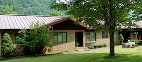 Bear Claw Family Lodging