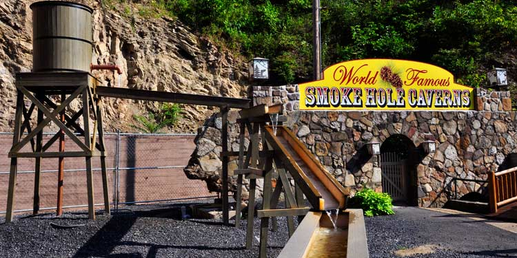 Gemstone Mining Smoke Hole Resort Lodging And Caverns In Seneca