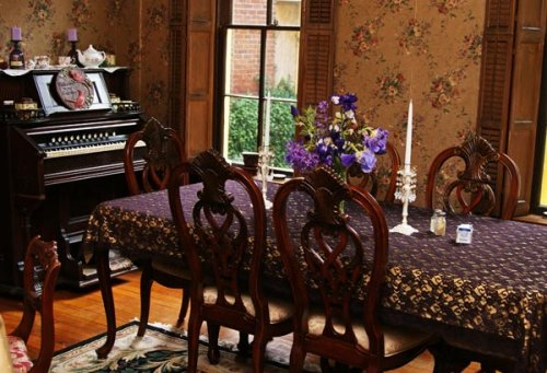 Dining at Kimmell House Inn
