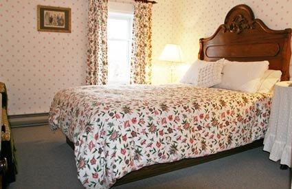 Room 6 at Hillsdale House Inn